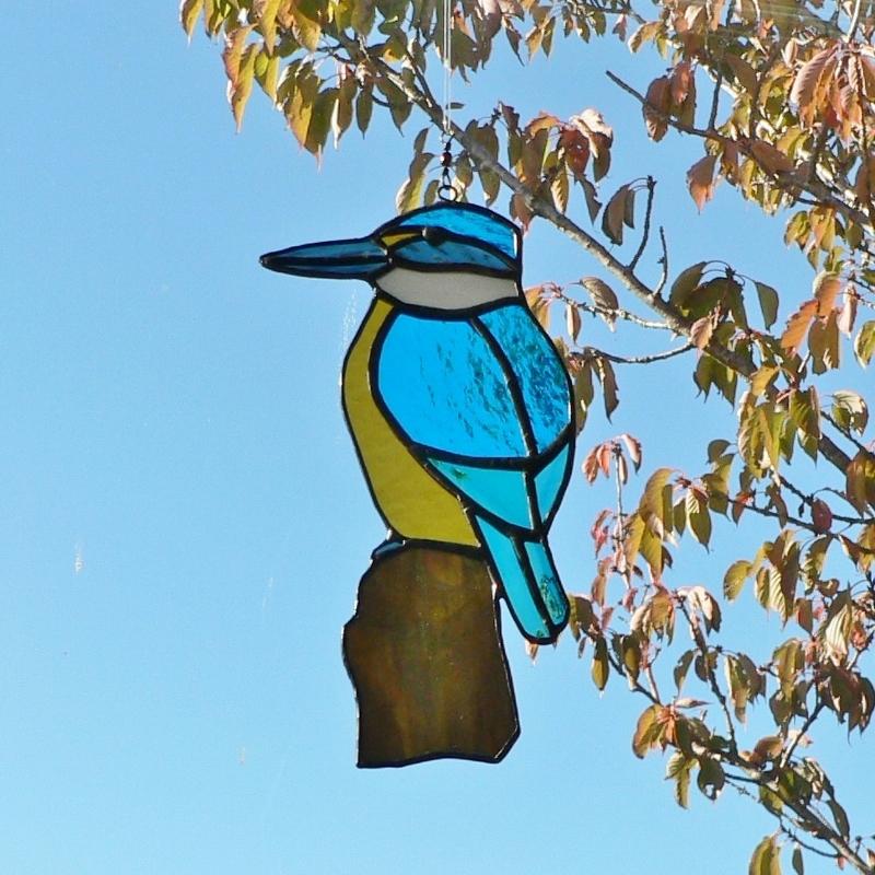 Kingfisher On Log