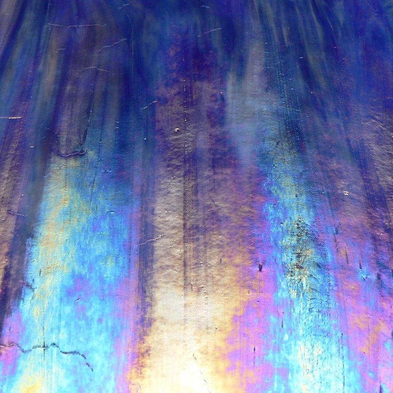 WO118IRID Cobalt Blue / White Wispy Iridized